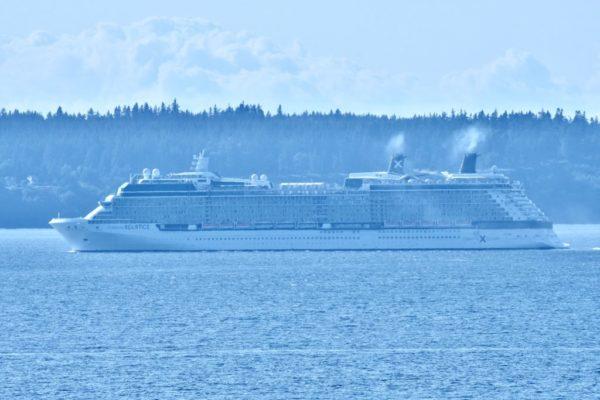 Scene in Edmonds: Cruise ship makes u-turn - My Edmonds News